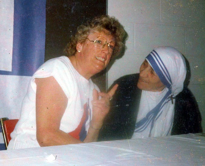 Helen Bacon with Mother Theresa