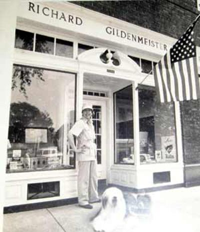 Richard Gildenmeister in front of his store